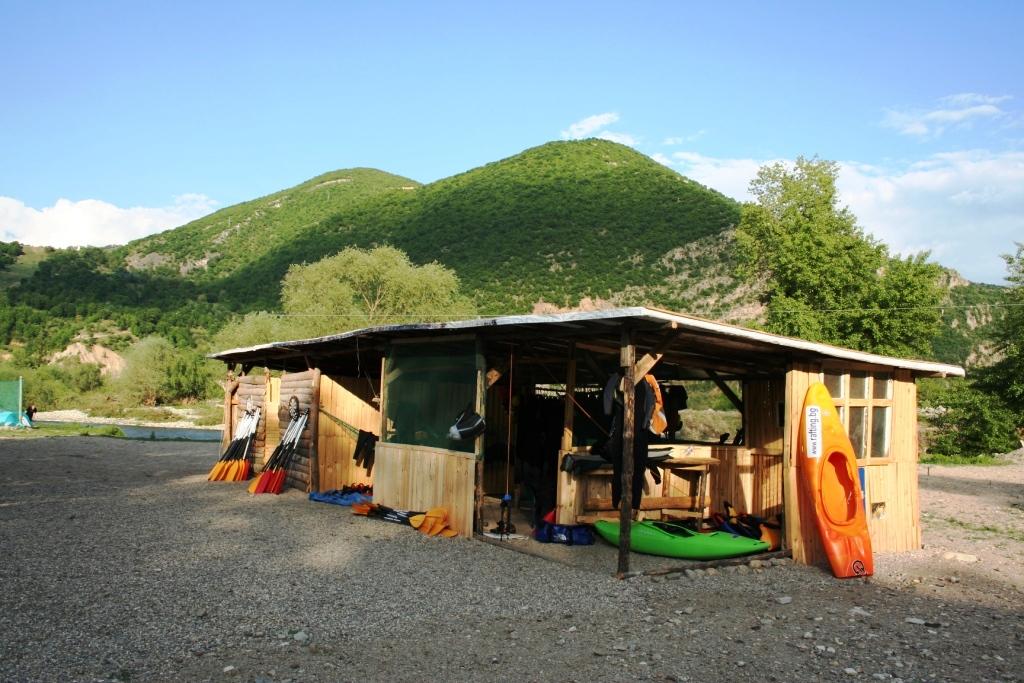 rafting-tsentar-prez-2011-x-club-teambuilding-bg-com (15)-1